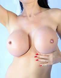 Big Boobed MILF Eva Karera