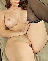 Curvy Brunette Temptress