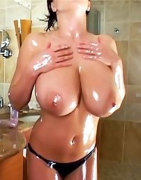 Ewa Sonnet Oiled Boobs